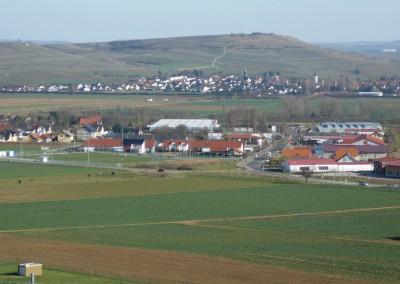 Gewerbegebiet, im Hintergrund Bad Kreuznach-Planig